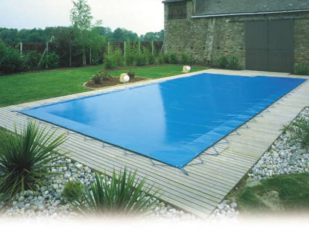 Question technique bleu piscine vente et pose de for Bache hivernage pour piscine