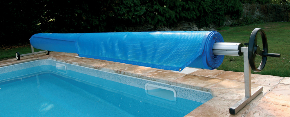 Pose piscine coque cheap duune piscine coques polyester for Poser une piscine coque