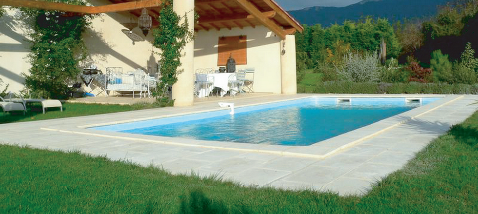 Piscine carr b ton de r ve for Prix piscine beton