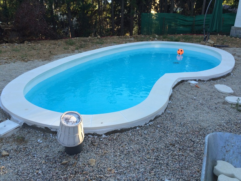 R alisations bleu piscine vente et pose de piscines for Forme piscine coque